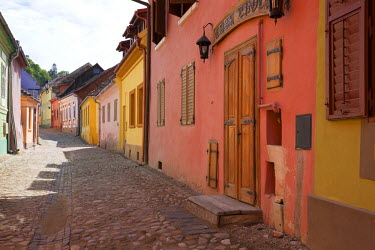 ROM0113 Romania, Transylvania, Sighisoara. Colourful houses within the medieval fortress of Sighisoara.