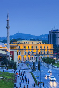 AL01058 Albania, Tirana, Skanderbeg Square, elevated view, dusk