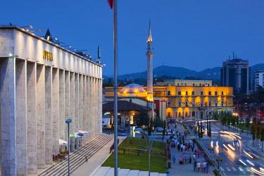 AL01059 Albania, Tirana, Skanderbeg Square and Opera Building, dusk