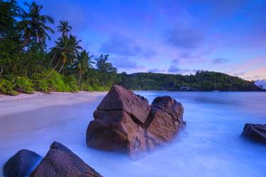 SC01299 Beach in southern Mahe, Seychelles