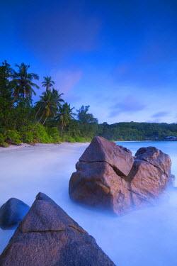 SC01300 Beach in southern Mahe, Seychelles