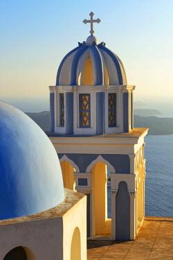 GRE0617AW Church in Thira, Santorini, Kyclades, South Aegean, Greece, Europe