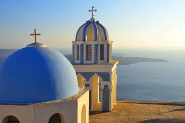 GRE0618AW Church in Thira, Santorini, Kyclades, South Aegean, Greece, Europe