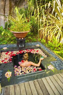 SC01324 The Spa at the Banyan Tree Resort, Mahe, Seychelles (MR)