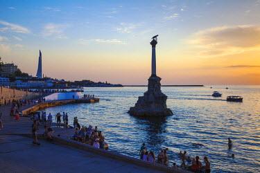 UA02279 Ukraine, Crimea, Sevastopol, Eagle Column - Monument to the Scuttled Ships