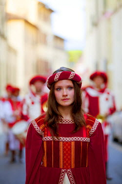 ITA2373 Italy, Tuscany , Pistoia.Young woman in Medieval costume for the annual parade on the feast of San Jacopo.