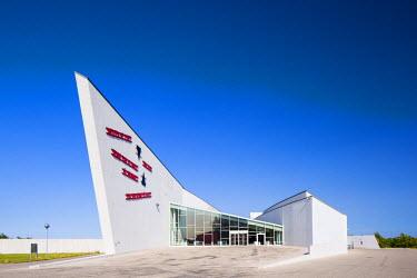 DEN0081AW Denmark, Hovedstaden, Copenhagen, Ishoj. The Arken Museum of Modern Art.
