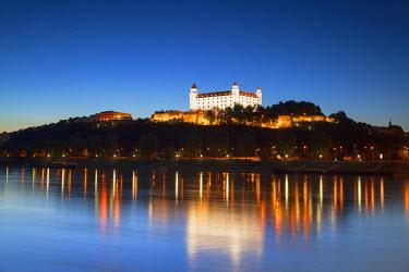 SLV1136AW Bratislava Castle at dusk, Bratislava, Slovakia