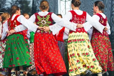 POL1299 Europe, Poland, Carpathian Mountains, Zakopane, International Festival of Mountain Folklore, performers in traditional costume