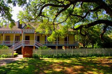 US19CMI0058 USA, Louisiana, New Orleans, Vacherie. 'Laura' historic Antebellum Creole plantation. Home exterior.