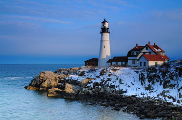 US20MHE0027 Portland Head, Cape Elizabeth, winter, Casco Bay, Gulf of Maine, Maine, USA.