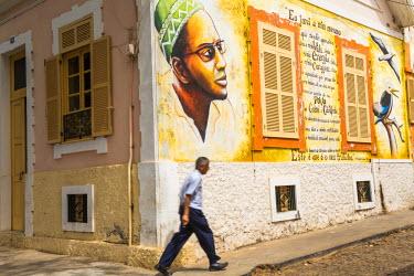 CV01130 Amilcar Cabral (writer who led Nationalist movement) wall mural, Praia, Santiago Island, Cape Verde