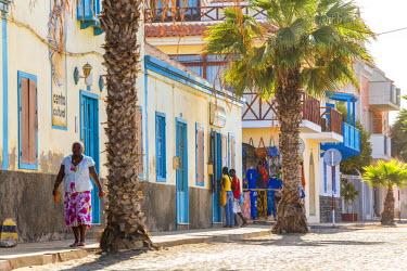 CV01158 Street scene, Santa Maria, Sal Island, Cape Verde