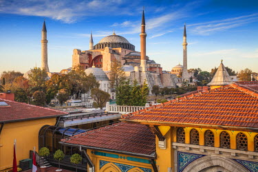 TK01570 Turkey, Istanbul, View of Four Seasons Hotel roof terrace and Haghia Sophia, - Aya Sofya Mosque