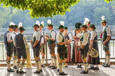 TPX41571 Germany, Bavaria, Munich, Oktoberfest Parade, Group Dressed in Bavarian Costume
