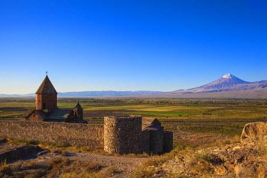 AM01107 Armenia, Yerevan, Ararat plain, Khor Virap Armenian Apostolic Church monastery, at the foot of Mount Ararat, where Grigor Luisavorich (St. Gregory the Illuminator) was imprisoned