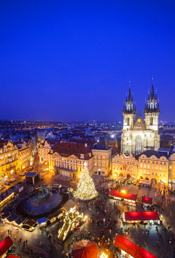 CZ01387 Christmas Market, Old Town Square, Prague, Czech Republic