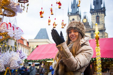 CZ01394 Christmas Market, Old Town Square, Prague, Czech Republic (MR)