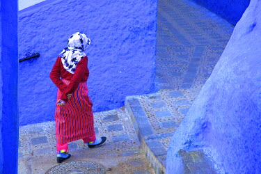 MC02766 Woman In Traditional Clothing, Chefchaouen, Morocco, North Africa