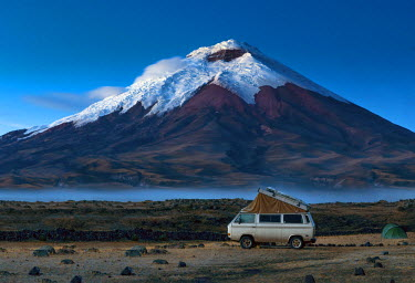 EQ01119 Cotopaxi National Park, Snow-Capped Cotopaxi Volcano, One of The Highest Active Volcanoes, Volkswagon Bus, Campground, Altitude of 12,000 Feet, Cotopaxi Province, Ecuador