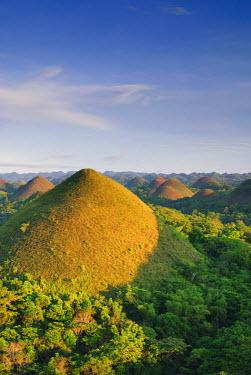 PH02171 Philippines, Bohol, Chocolate Hills