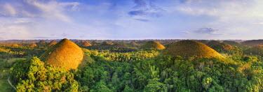 PH02172 Philippines, Bohol, Chocolate Hills