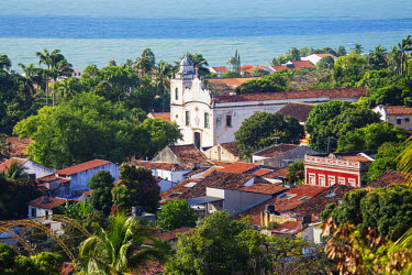 BRA2173AW South America, Brazil, Pernambuco, Olinda, view of Olinda showing the 18th Century portuguese baroque church of St. Peter the Apostle (Igreja de Sao Pedro Apostolo) and colonial houses in the UNESCO w...