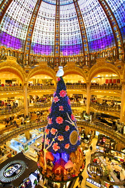 FR20042 Xmas Decorations In The Galeries Lafayette, Paris, France, Western Europe.