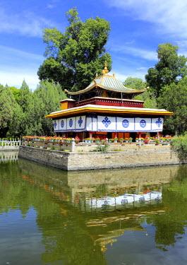 TB01142 Norbulingka palace, Lhasa, Tibet, China
