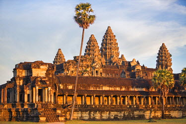 CMB1341 Cambodia, Angkor Wat, Siem Reap Province. The magnificent Khmer temple of Angkor Wat bathed in late afternoon sunshine.