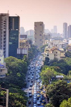 IND7518AW India, Maharashtra, Mumbai, view along Dr Gopalrao Deshmukh Marg (Pedder Road) towards Kemp's Corner and the center of Mumbai city