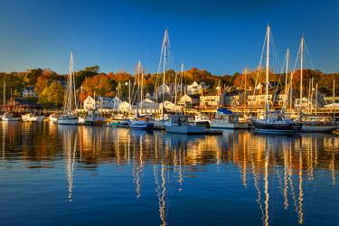 US20BJN0063 Autumn morning in the Camden harbor, Camden, Maine, USA.