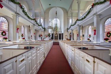 US22BJN0075 Interior of Old North Church at Christmas, Boston, Massachusetts, USA