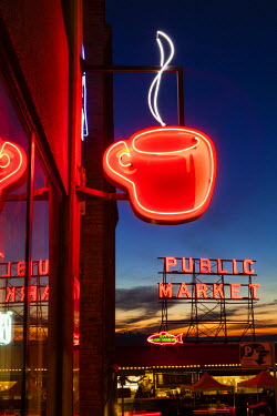 US48MWT0131 Pike Place Market at Christmastime. Seattle, Washington, USA.