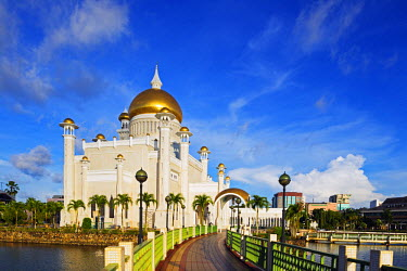 BRU0012 South East Asia, Kingdom of Brunei Darussalam, Bandar Seri Begawan, Omar Ali Saifuddien Mosque