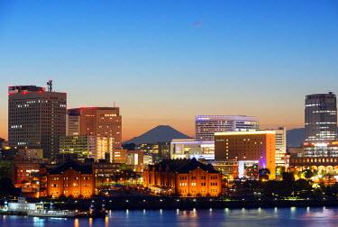 JAP0533 Asia, Japan, Honshu, Yokohama Bay, city skyline and Mt Fuji