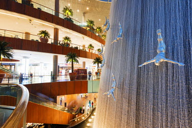 UAE0135 Middle East, United Arab Emirates, Dubai, fountain at Dubai Mall