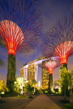 SNG1197 Singapore, Gardens by the Bay and Marina Bay Sands
