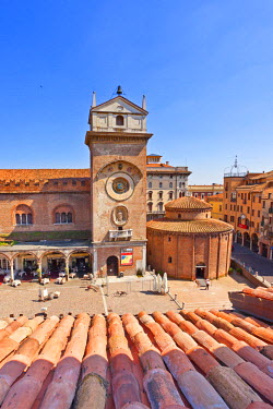 ITA2580AW Italy, Lombardy, Mantova district, Mantua, Piazza delle Erbe and Torre dell'Orologio