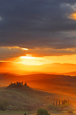 ITA2590AW Italy, Tuscany, Siena district, Orcia Valley, Podere Belvedere near San Quirico d'Orcia.