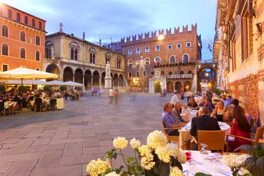 ITA2674AW Italy, Veneto, Verona district, Verona. Piazza dei Signori.