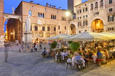 ITA2675AW Italy, Veneto, Verona district, Verona. Piazza dei Signori.