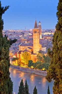 ITA2678AW Italy, Italia Veneto, Verona district. Verona. View from Castel San Pietro. Sant'Anastasia church, in the background Lamberti Tower.