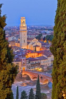 ITA2679AW Italy, Italia Veneto, Verona district. Verona. View from Castel San Pietro. View toward the Duomo and the Ponte Pietra.
