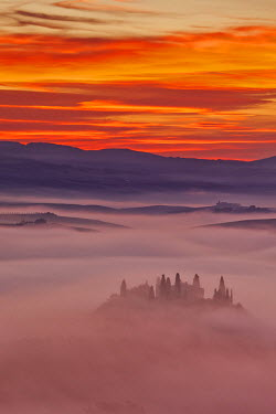 ITA2646AW Italy, Tuscany, Siena district, Orcia Valley, Podere Belvedere near San Quirico d'Orcia.