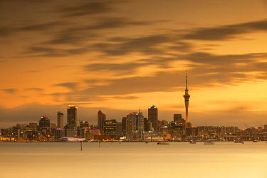 NZ8997AW View of Auckland skyline at dusk, Auckland, North Island, New Zealand