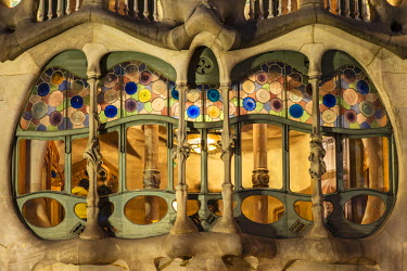 SPA5186AW Close-up view of the large window on the facade of Casa Batllo, Barcelona, Catalonia, Spain