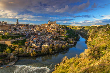 SPA5197AW Panoramic view over Toledo and Tagus river, Castile La Mancha, Spain