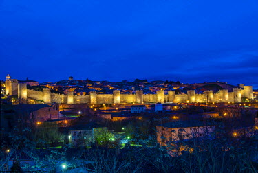 SPA5206AW Panoramic night view of the medieval city walls illuminated, Avila, Castile and Le�n, Spain