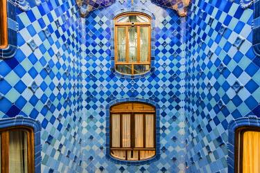 SPA5251AW Central light well inside Casa Batllo, Barcelona, Catalonia, Spain